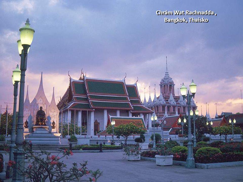 Chrám Wat Rachnadda, Bangkok, Thaisko Chrám Wat Rachnadda, Bangkok, Thaisko