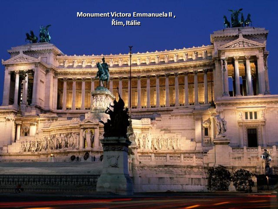 Monument Victora Emmanuela II, Řím, Itálie Monument Victora Emmanuela II, Řím, Itálie
