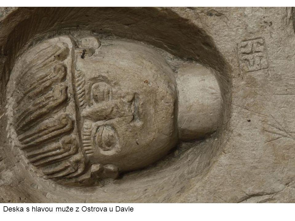 Deska s hlavou muže z Ostrova u Davle