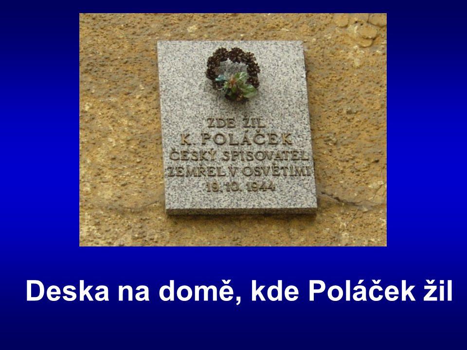 Deska na domě, kde Poláček žil