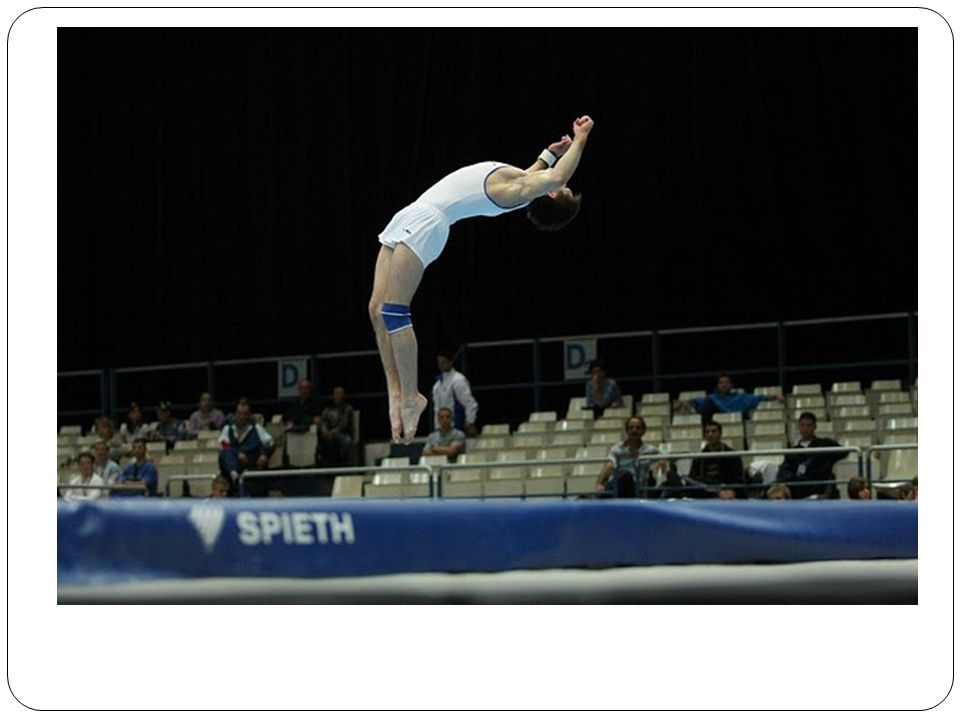 Hodnocení sportovní gymnastiky D – obtížnost sestav – 10 prvků (dva rozhodčí) - domluva E – technické a estetické provedení (čtyři až pět rozhodčích) – průměr (nej se škrtají) Výsledná známka – D + E Referenční rozhodčí Časoměřič