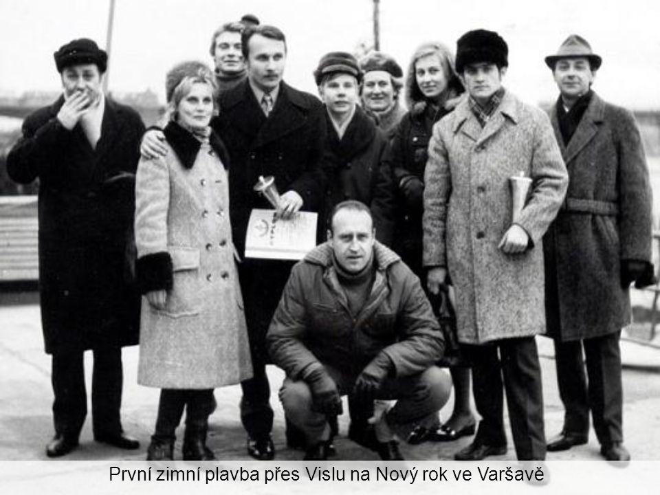 První zimní plavba přes Vislu na Nový rok ve Varšavě