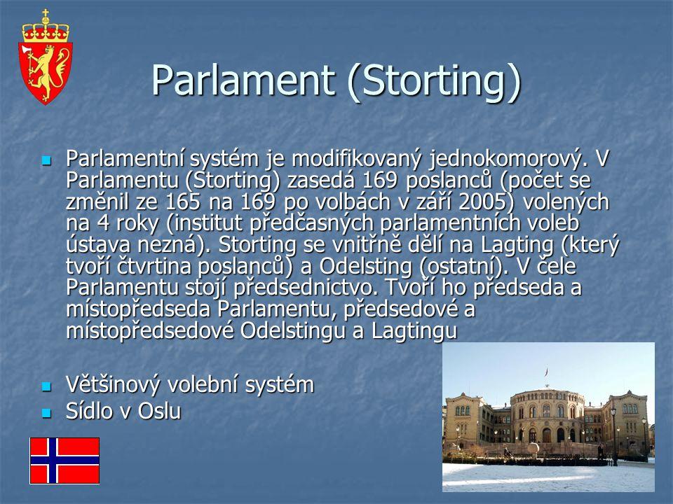 Parlament (Storting) Parlamentní systém je modifikovaný jednokomorový. V Parlamentu (Storting) zasedá 169 poslanců (počet se změnil ze 165 na 169 po v