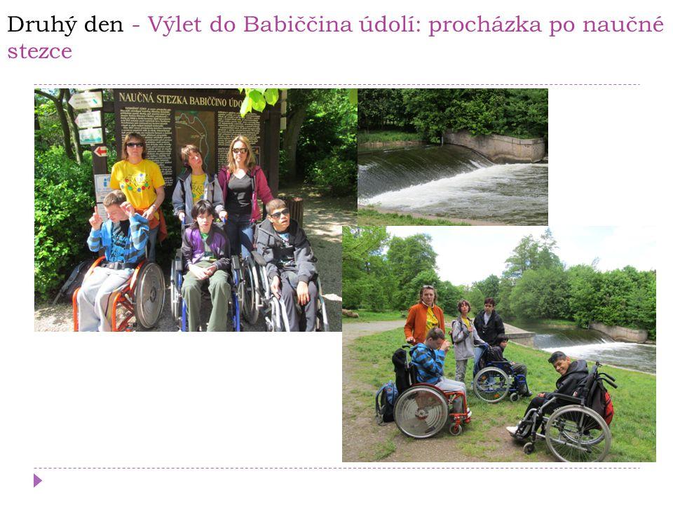 Druhý den - Výlet do Babiččina údolí: procházka po naučné stezce