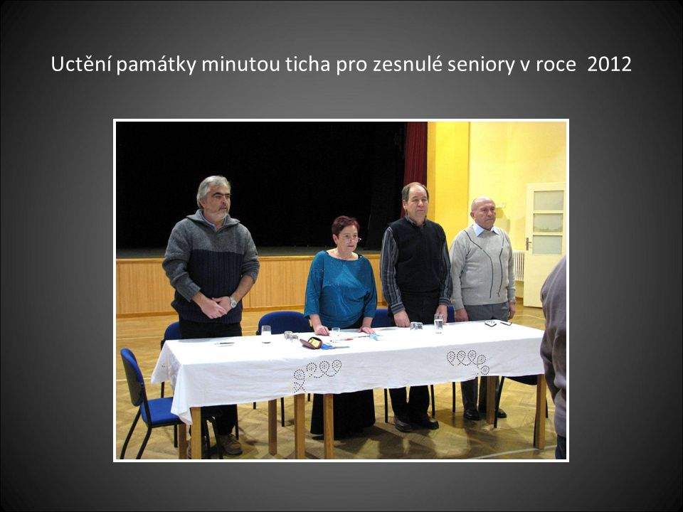Uctění památky minutou ticha pro zesnulé seniory v roce 2012
