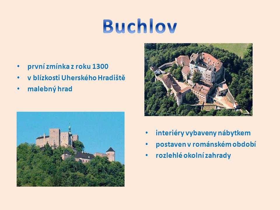 první zmínka z roku 1300 v blízkosti Uherského Hradiště malebný hrad interiéry vybaveny nábytkem postaven v románském období rozlehlé okolní zahrady