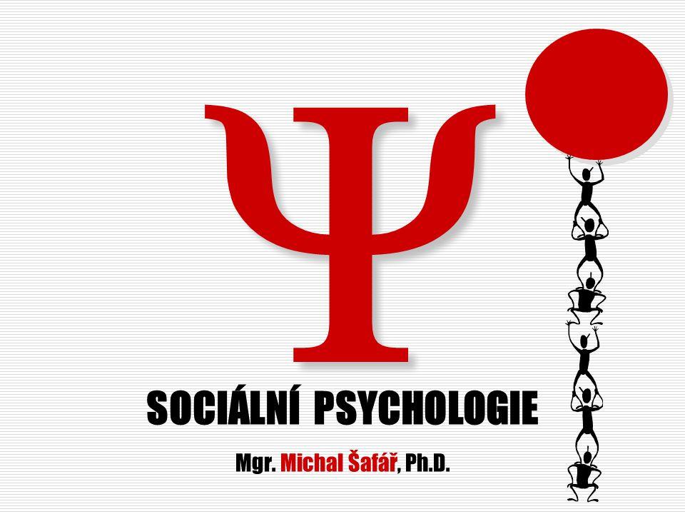 Sociální psychologie I Obsah přednášky I  Sociální psychologie –místo v systému, základní přístupy, geneze  Sociální percepce – efekt primarity, self-efficacy, afiliace, atraktivita, láska  Postoje - definice postoje, složky, předsudky, změna postojů – kognitivní disonance  Jedinec a skupina – dyáda, malá sociální skupina, pozice, role, status, dynamika, vývoj, typy vedení, sociální facilitace a zahálení, sociální polarizace a deindividuace  Sociální komunikace pojem, druhy, formy, empatické naslouchání, zpětná vazba.