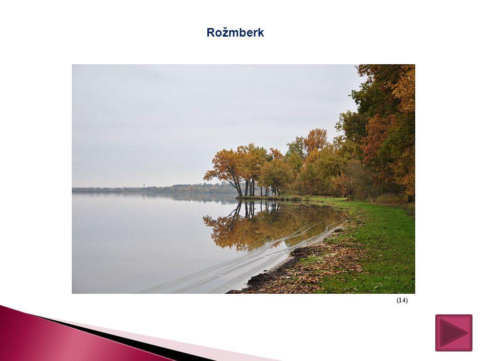 JIŽNÍ ČECHY Je to krajina plná rybníků, mírně zvlněná, s historickými památkami. Největší rybník je Rožmberk. Turisté mohou navštívit Šumavu, Černé a