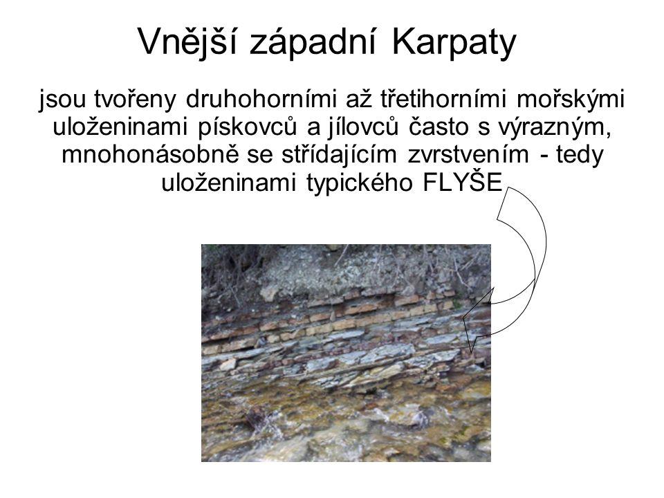 Dělení Vnějších západních Karpat: Jihomoravské Karpaty (Děvín 550 m) -Mikulovská vrchovina (Děvín 550 m) Středomoravské Karpaty (Brdo 587 m) -Ždánický les (U slepice 438 m) -Litenčická pahorkatina (Hradisko 518 m) -Chřiby (Brdo 587 m) -Kyjovská pahorkatina (Babí lom 417 m) Slovensko-moravské Karpaty (Velký Javorník 1071 m) -Vizovická vrchovina (Klášťov 753 m) -Bílé Karpaty (Velká Javořina 970 m) -Javorníky (1071 m) Západobeskydské podhůří -Podbeskydská pahorkatina Západní Beskydy (Lysá hora 1323) -Hostýnsko-vsetínská hornatina (Vysoká 1024 m) -Rožnovská brázda (Poskla 576 m) -Moravskoslezské Beskydy (Lysá hora 1323 m) -Jablunkovská brázda (Kempa 571 m) -Slezské Beskydy (Velká Čantoryje 995 m) -Jablunkovské mezihoří (Girová 840 m)