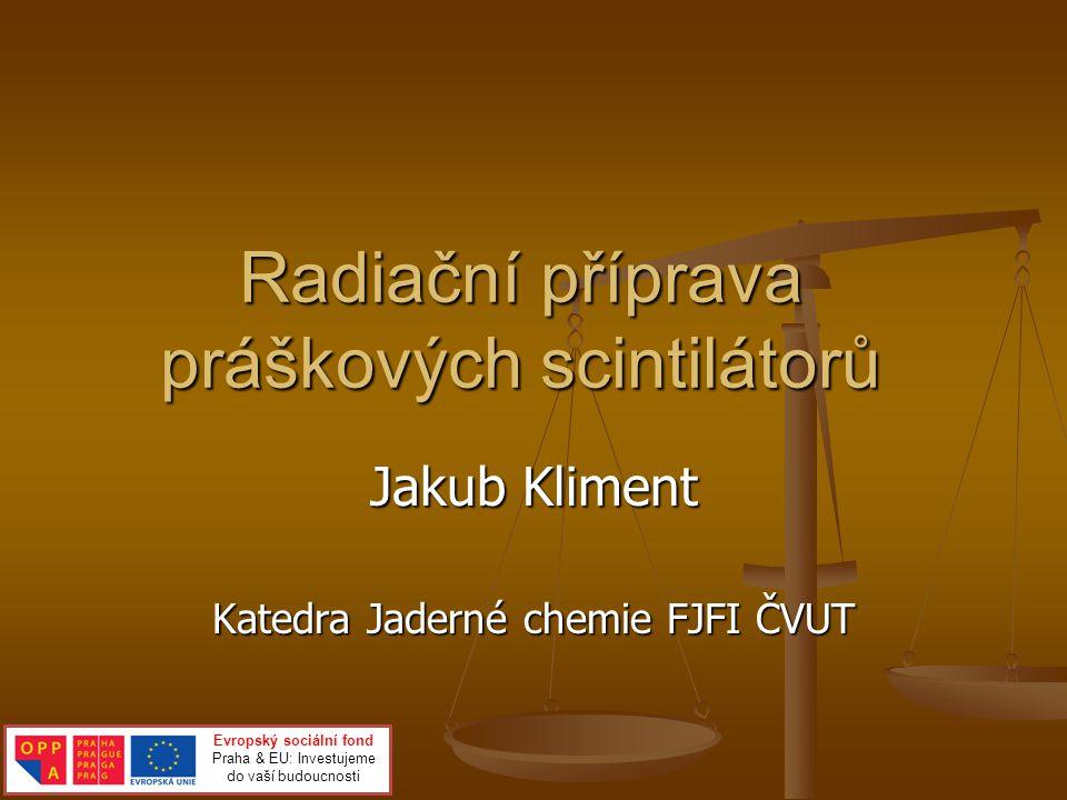 Jaderná chemie Chemie radioaktivních prvků (Rn, Ra, Ac) Chemie radioaktivních prvků (Rn, Ra, Ac) Produkce a využití radioaktivních zdrojů v řadě procesů (radioterapie…) Produkce a využití radioaktivních zdrojů v řadě procesů (radioterapie…) Radiochemie Radiochemie Přírodní a uměle vyrobené izotopy Přírodní a uměle vyrobené izotopy Radiační chemie Radiační chemie