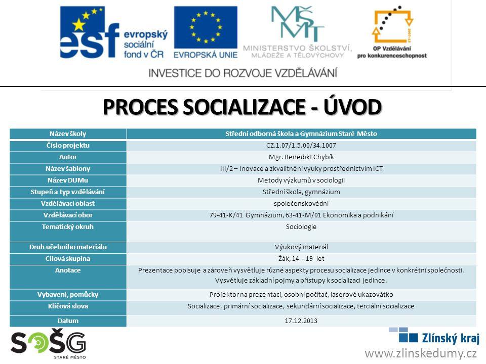 AKTIVIZAČNÍ OTÁZKY PRO ŽÁKY foto: autor 1.Vysvětlete pojem socializace 2.Jak se jmenuje věda, která řeší hodnoty a hodnotový žebříček.