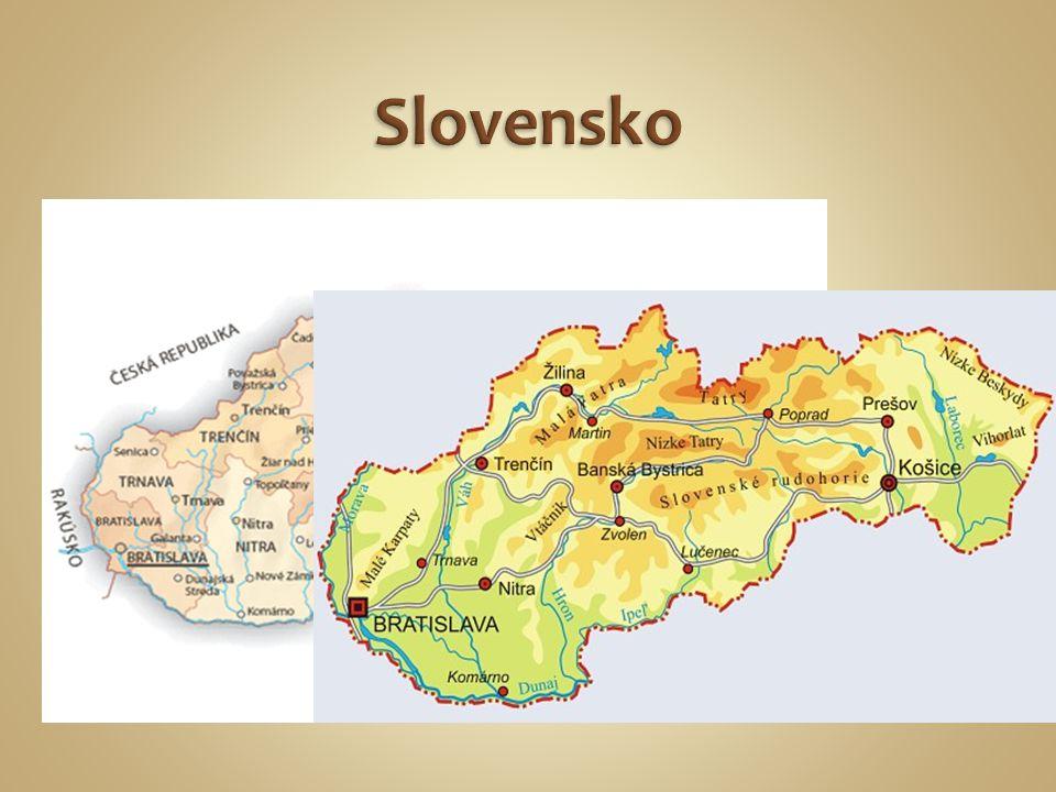 Vodstvo: Podunajskou nížinou protéká řeka Dunaj, do kterého vtékají řeky Váh, Nitra a Hron.