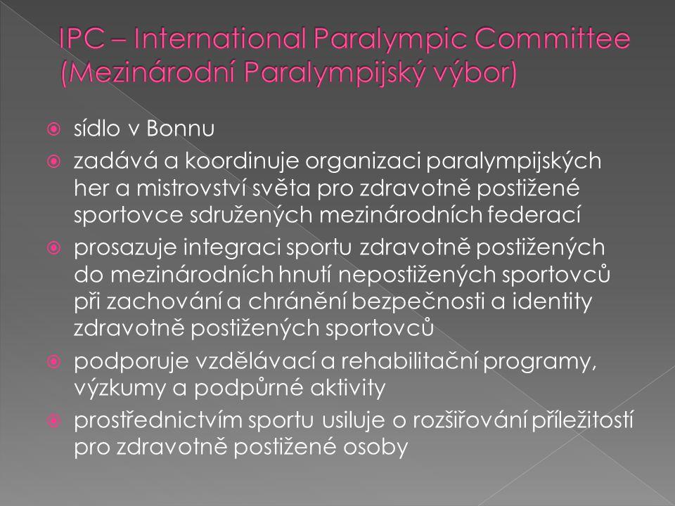  sídlo v Bonnu  zadává a koordinuje organizaci paralympijských her a mistrovství světa pro zdravotně postižené sportovce sdružených mezinárodních federací  prosazuje integraci sportu zdravotně postižených do mezinárodních hnutí nepostižených sportovců při zachování a chránění bezpečnosti a identity zdravotně postižených sportovců  podporuje vzdělávací a rehabilitační programy, výzkumy a podpůrné aktivity  prostřednictvím sportu usiluje o rozšiřování příležitostí pro zdravotně postižené osoby