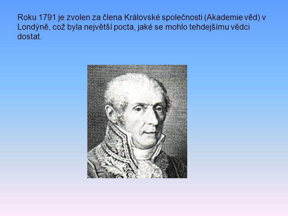 Po studiích se r. 1774 Stává učitelem fyziky na gymnáziu v rodném Comu a již rok nato předvádí svůj první vynález – elektrofor, jímž bylo možné bez tř