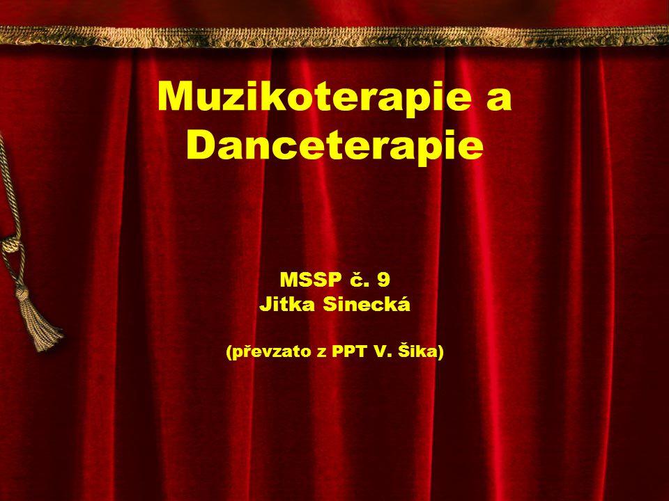 DANCETERAPIE Výrazový tanec spontánní pohyb, nemusí vyjadřovat ani obvyklou situaci, podobné jako aktivní muzikoterapie Výrazový tanec bývá kultivovanější, jiná hudba, není trans, není tak živelný.
