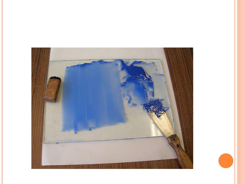 V LASTNÍ RAZÍTKOVÁNÍ Razítkem, které je nalepeno na pórovité pryži a dřevěném špalíčku tiskneme zvolený motiv na výrobek.
