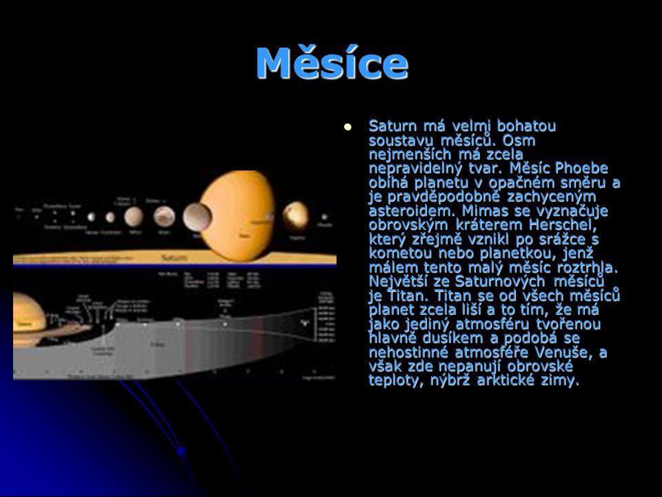 Měsíce Saturn má velmi bohatou soustavu měsíců. Osm nejmenších má zcela nepravidelný tvar. Měsíc Phoebe obíhá planetu v opačném směru a je pravděpodob