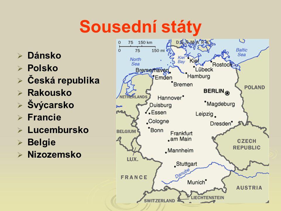 """Po 2.světové válce bylo Německo rozděleno na dva státy: """"východní a """"západní Německo."""
