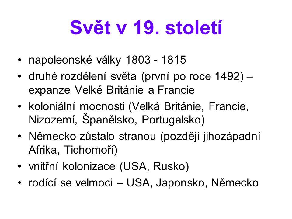 České země příliv obyvatelstva z venkova do měst po polovině století (1848 – zrušení roboty) zdvojnásobil se počet obyvatel měst (činžovní pavlačové domy s kanalizací a vodovodem) snížení úmrtnosti, vyšší produktivita v zemědělství těžké pracovní podmínky dělníků v továrnách (6 dnů v týdnu pracovní doba 12 hodin, práce žen i dětí, malé výdělky - zakládání odborů) továrny ve velkých městech a v pohraničí (textilky, strojírenské továrny, export v rámci monarchie)