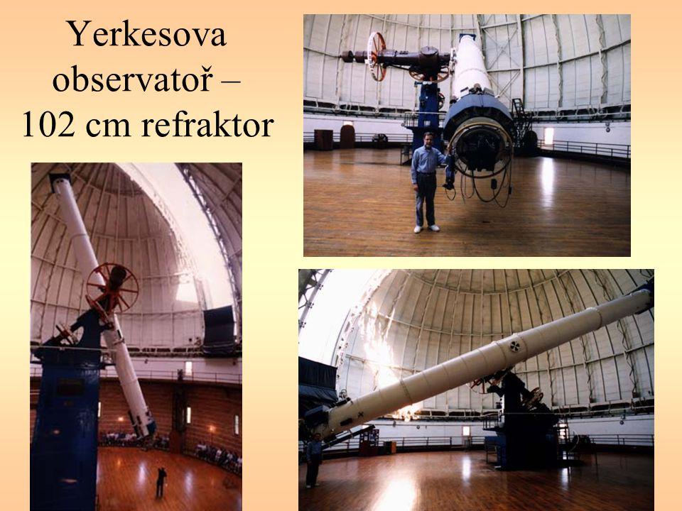 PrůměrNázevMístoNadmořská výška 10,0 mKeck Telescope 1Mauna Kea, Havaj4 123 m 10,0 mKeck Telescope 2Mauna Kea, Havaj4 123 m 9,2 mHobby-Eberlz TelescopeMt.Fowlkes, Texas2 072 m 8,3 mSubaru TelescopeMauna Kea, Havaj4 100 m 8,2 mVLT-Antu(UT1)Cerro Paranal, Chile2 635 m 8,2 mVLT-Kueyen(UT2)Cerro Paranal, Chile2 635 m 8,2 mVLT-Melipal(UT3)Cerro Paranal, Chile2 635 m 8,2 mVLT-Yepun(UT4)Cerro Paranal, Chile2 635 m 8,0 mGemini North TelescopeMauna Kea, Havaj4 100 m 8,0 mGemini South TelescopeCerro Pachon, Chile2 737 m 6,5 mMMTMt.
