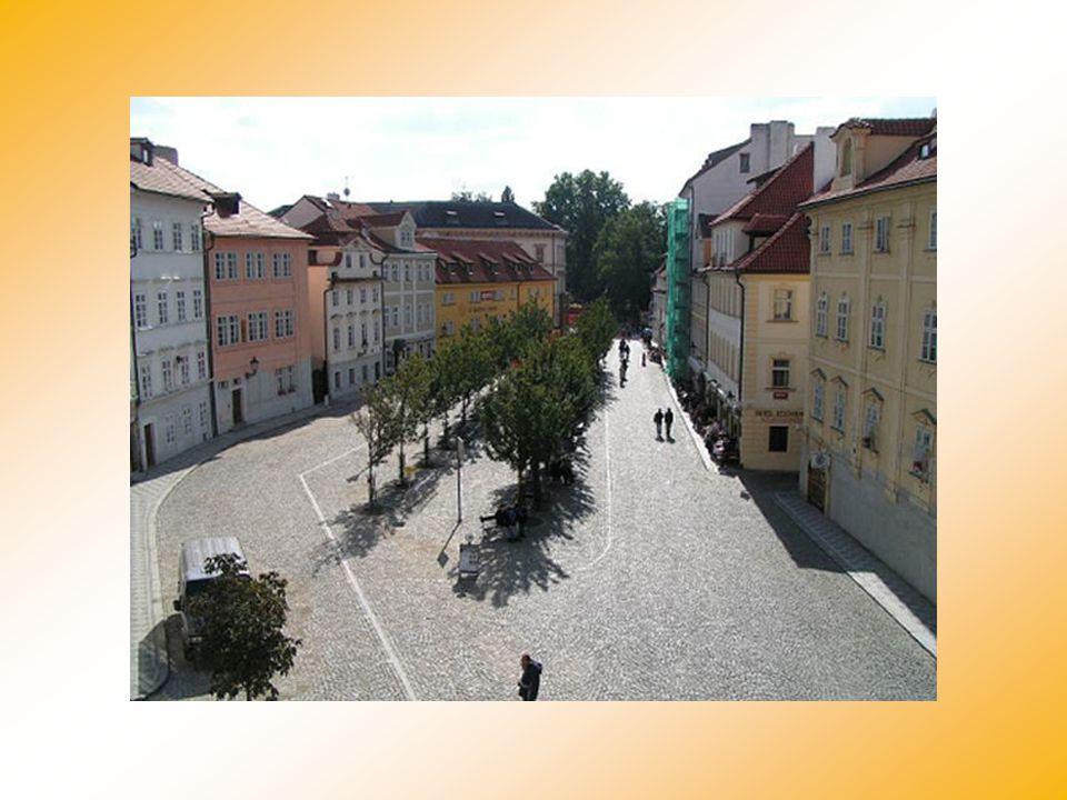 Slovenský herec Juraj Kukura se rozhodl pořídit si v Praze vlastní byt - renesanční objekt na jednom z nejatraktivnějších míst Kampy poblíž známého ml