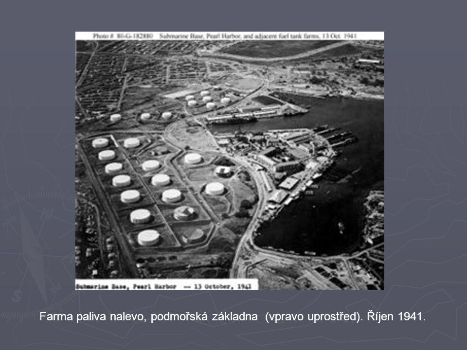 Farma paliva nalevo, podmořská základna (vpravo uprostřed). Říjen 1941.