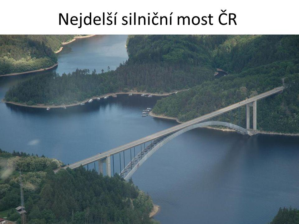 Nejdelší silniční most ČR přemostění údolí Vltavy a Berounky na Lahovické estakádě 2055 metrů 2. Ohře u Doksan 1183 m (D8) 3. Praha Negrelliho viadukt