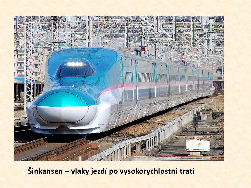 Šinkansen – vlaky jezdí po vysokorychlostní trati