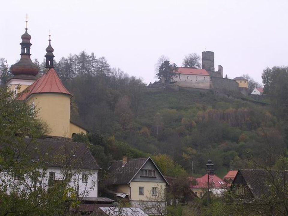 Náš čas při rekondici nebyl rozdělen jen mezi tělocvičnu a jídelnu, ale byl čas i na malé procházky, či větší výlety. Třeba na hrad Svojanov a okolí.