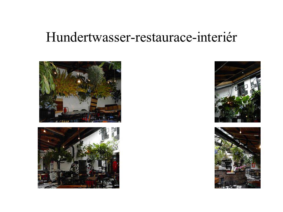 Hundertwasser-restaurace-interiér
