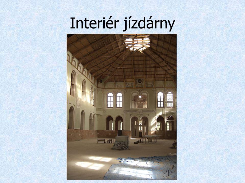 Interiér jízdárny