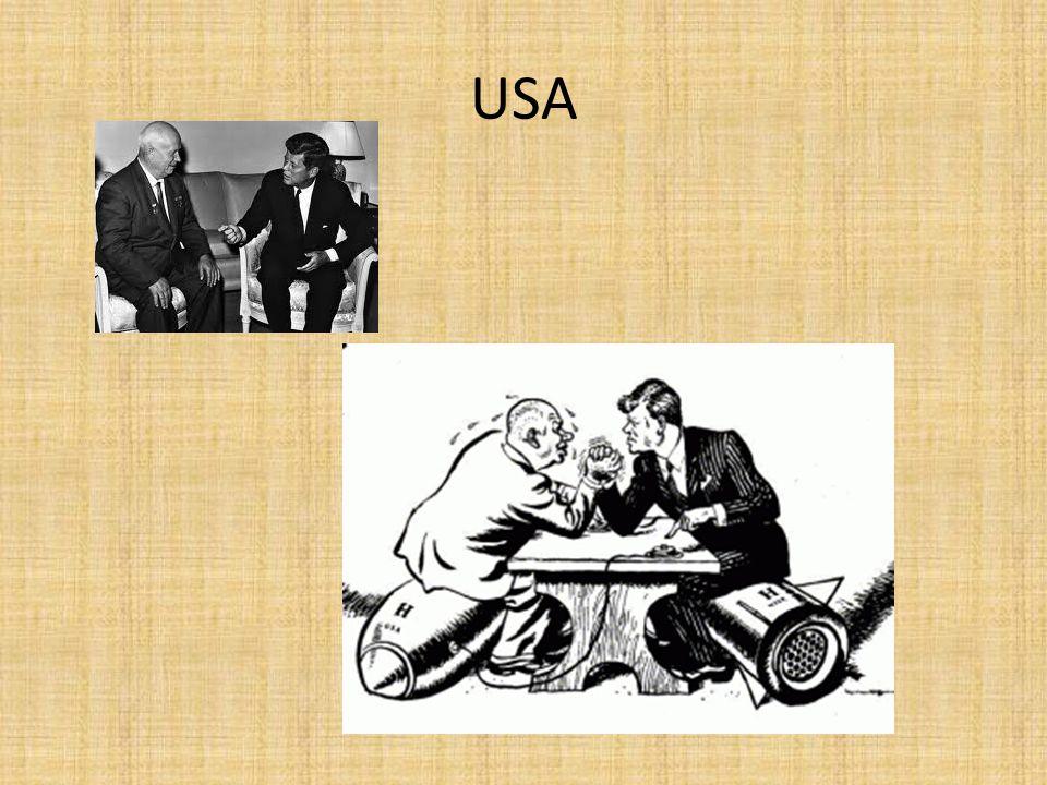SSSR 1985-1991 Michail Gorbačov reformní hnutí – snaha překonat stagnaci v hospodářství a společnosti glasnost – uvolnění ve sdělovacích prostředcích, kritika poměrů, odhalování minulosti perestrojka – hospodářské reformy – prvky tržní ekonomiky – neúčinné zahraniční politika – uvolňování napětí, odzbrojení, politika spolupráce 1989 – pád berlínské zdi – následně vlna revolucí ve střední Evropě