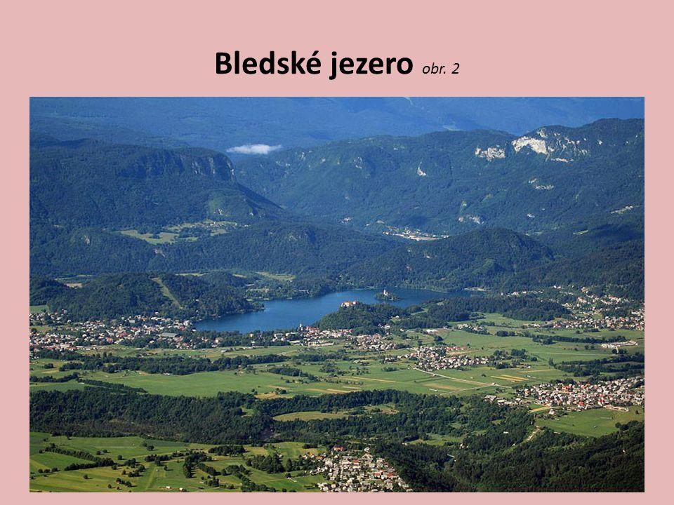 Cestovní ruch Slovinska Pohoří Kras Postojanské jeskyně – 20 km jeskyní, r.