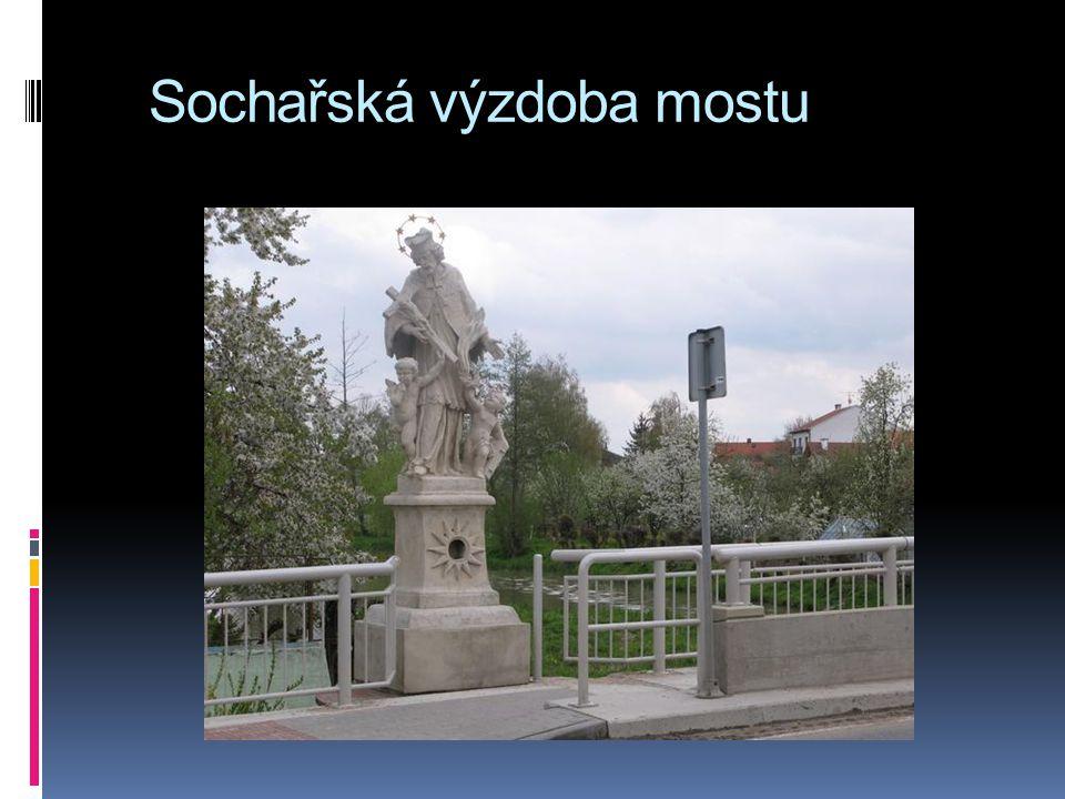 Sochařská výzdoba mostu