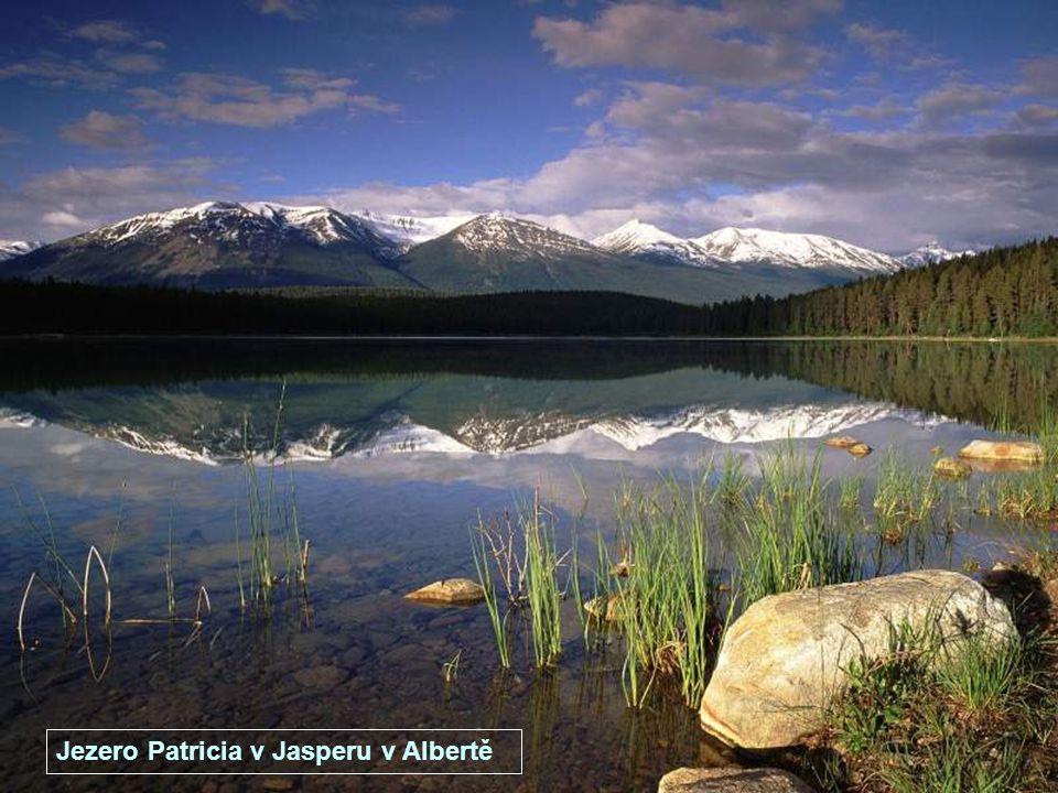 Pověstné jezero Mono v Kalifornii