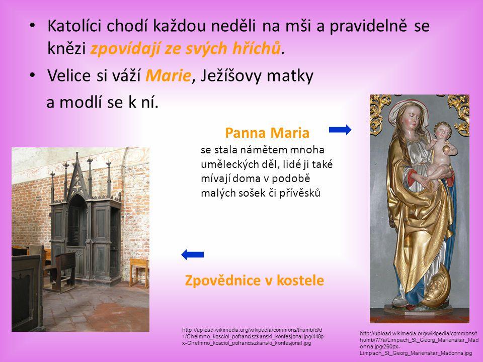 Římskokatolická církev Největší náboženská organizace ve světě Nejvyšším představeným je římský biskup neboli papež se sídlem ve Vatikánu, katolíci vě