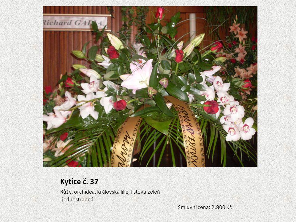 Kytice č. 37 Růže, orchidea, královská lilie, listová zeleň -jednostranná Smluvní cena: 2.800 Kč