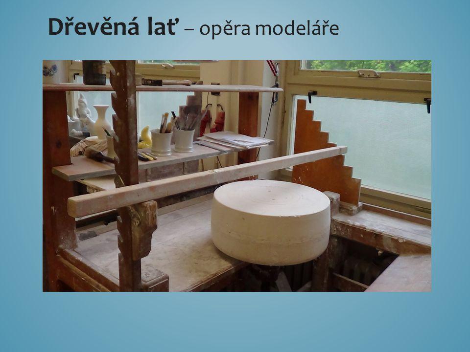 Dřevěná lať – opěra modeláře