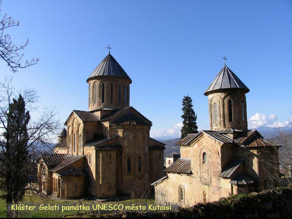 Daktylek Bolnisi jižní Gruzie kostel.