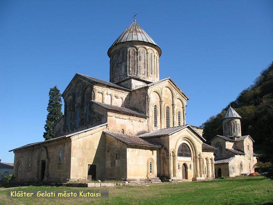 Daktylek Klášter Gelati památka UNESCO město Kutaisi