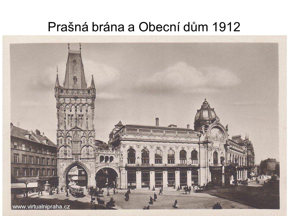 Pohled z Pražského hradu 1940
