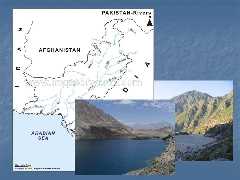 Vodstvo Moře: Arabské moře Arabské mořeŘeky: Nejdelší řeka – Indus (3200 km) Nejdelší řeka – Indus (3200 km) Další řeky – Kabul, Chenab, Ravi, Nara, N