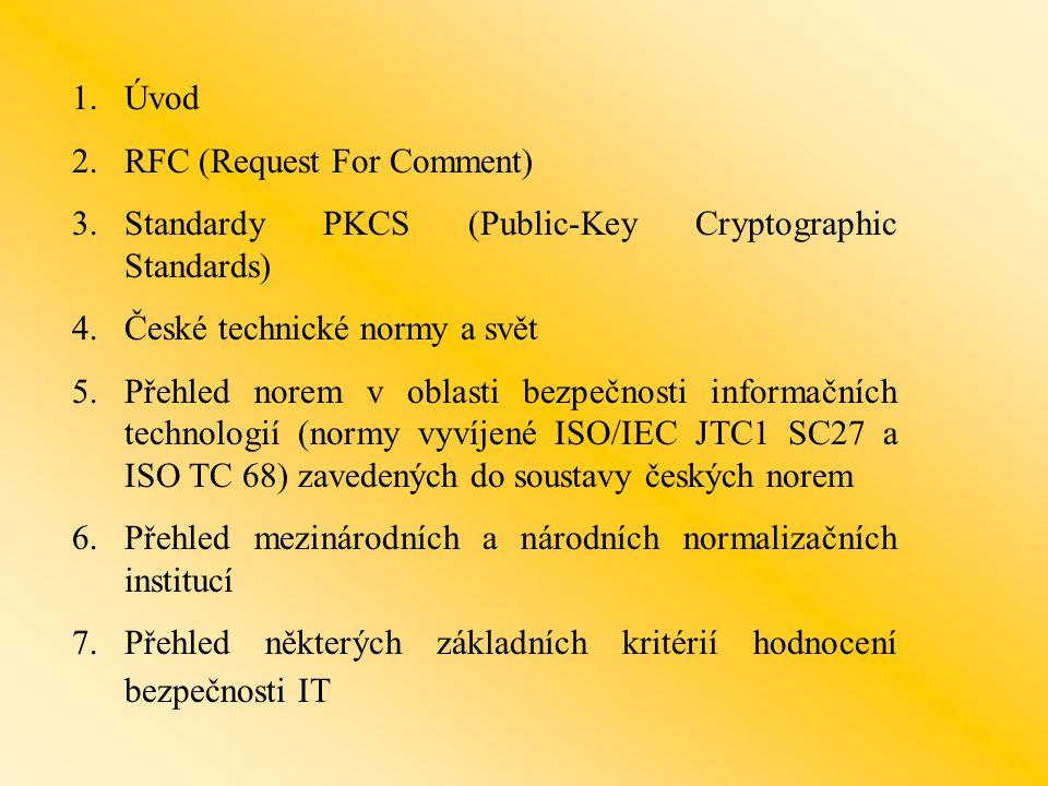 """1.ÚVOD - řešení proprietary x standardní …(kompatibilita) - standard de jure (kodifikovaný standrad) a de facto (dobrovolně přebíraná řešení jiných """"výrobců ) - standard x norma (ČR - historicky """"opačný význam ) - doporučení x závaznost - členění norem a standardů Standardní x """"standartní --- toto je standarta"""