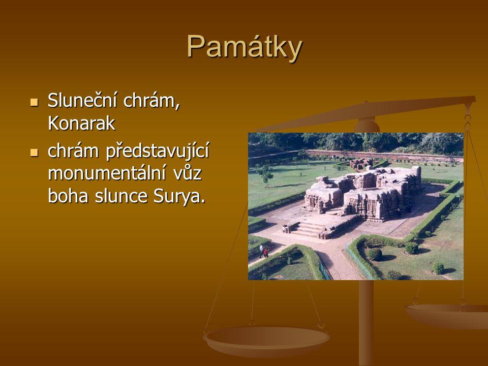 Památky Sluneční chrám, Konarak Sluneční chrám, Konarak chrám představující monumentální vůz boha slunce Surya. chrám představující monumentální vůz b