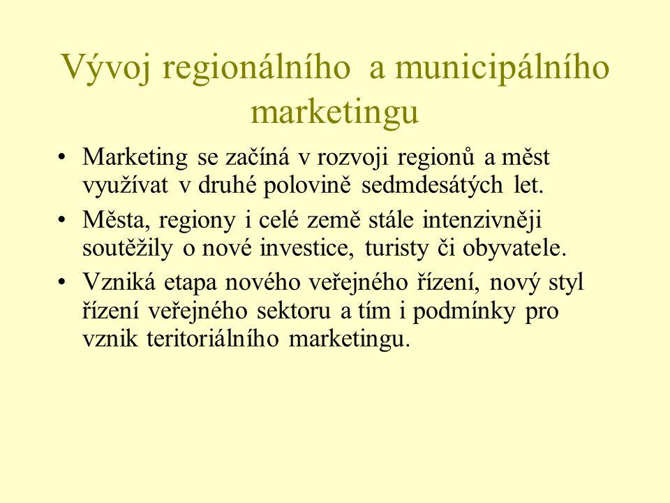 Vývoj regionálního a municipálního marketingu Marketing se začíná v rozvoji regionů a měst využívat v druhé polovině sedmdesátých let. Města, regiony