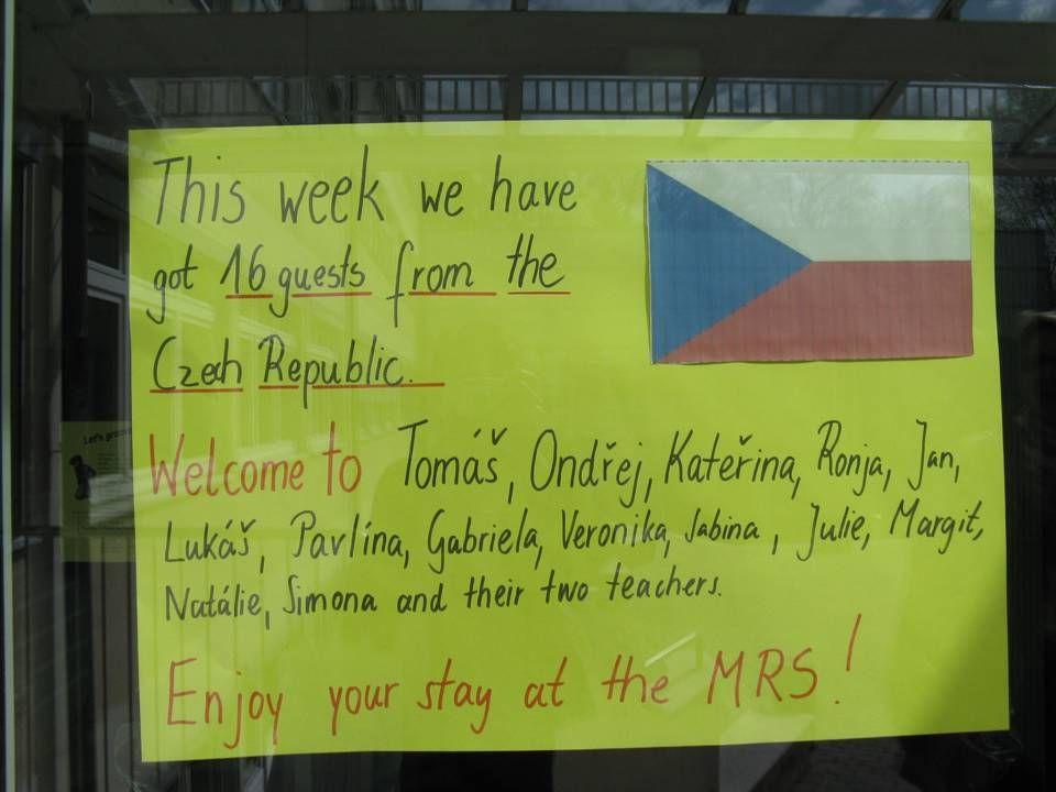 Pondělí 23.4. 2012 V pondělí ráno nás naše německé partnerky vzaly s sebou do školy.