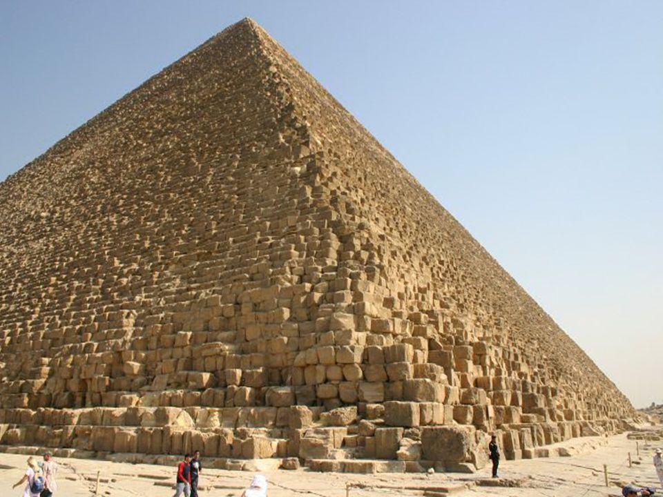Chufuofa pyramida… Jedná se o nejhmotnější stavbu na světě, kdy původní objem celé stavby měřil asi 2 520 000 metru krychových. Na celou stavbu bylo p