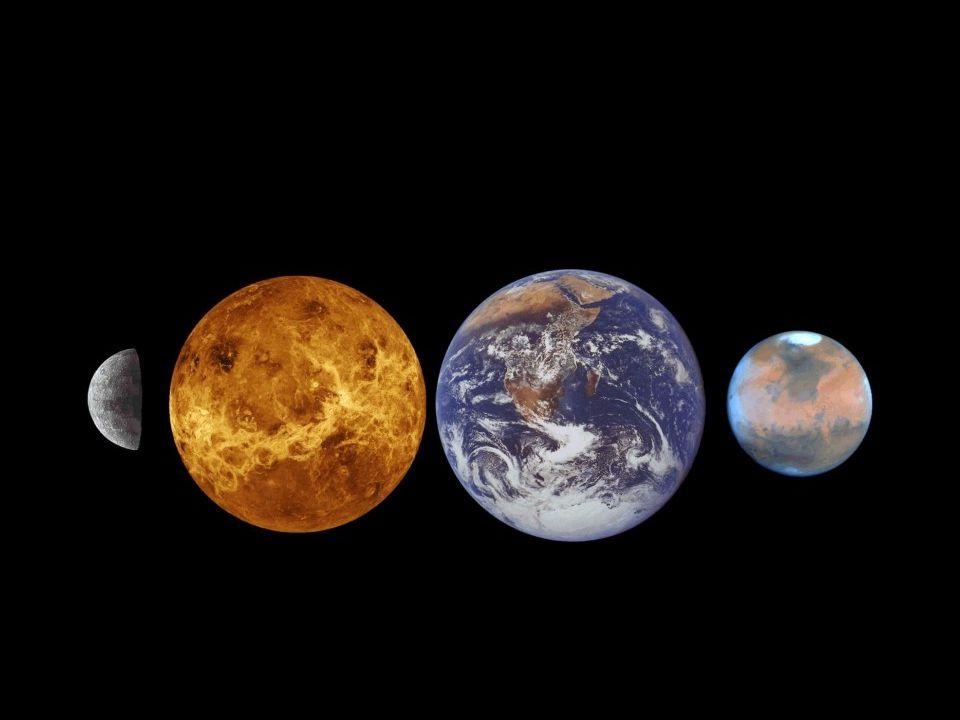 Další z obřích planet, sedmá planeta sluneční soustavy má charakteristický modrozelený nádech.