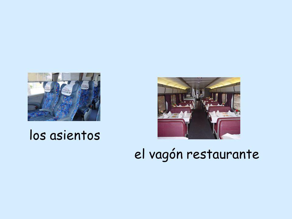 los asientos el vagón restaurante