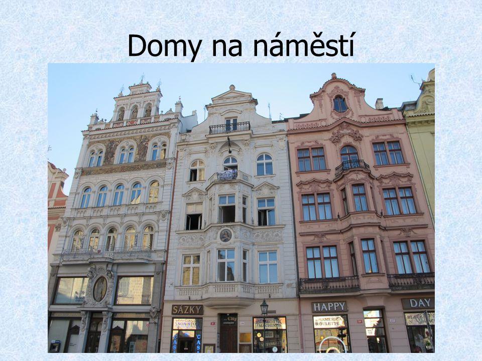 Domy na náměstí